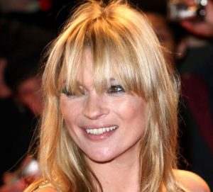 cheveux mi-long franges Kate Moss