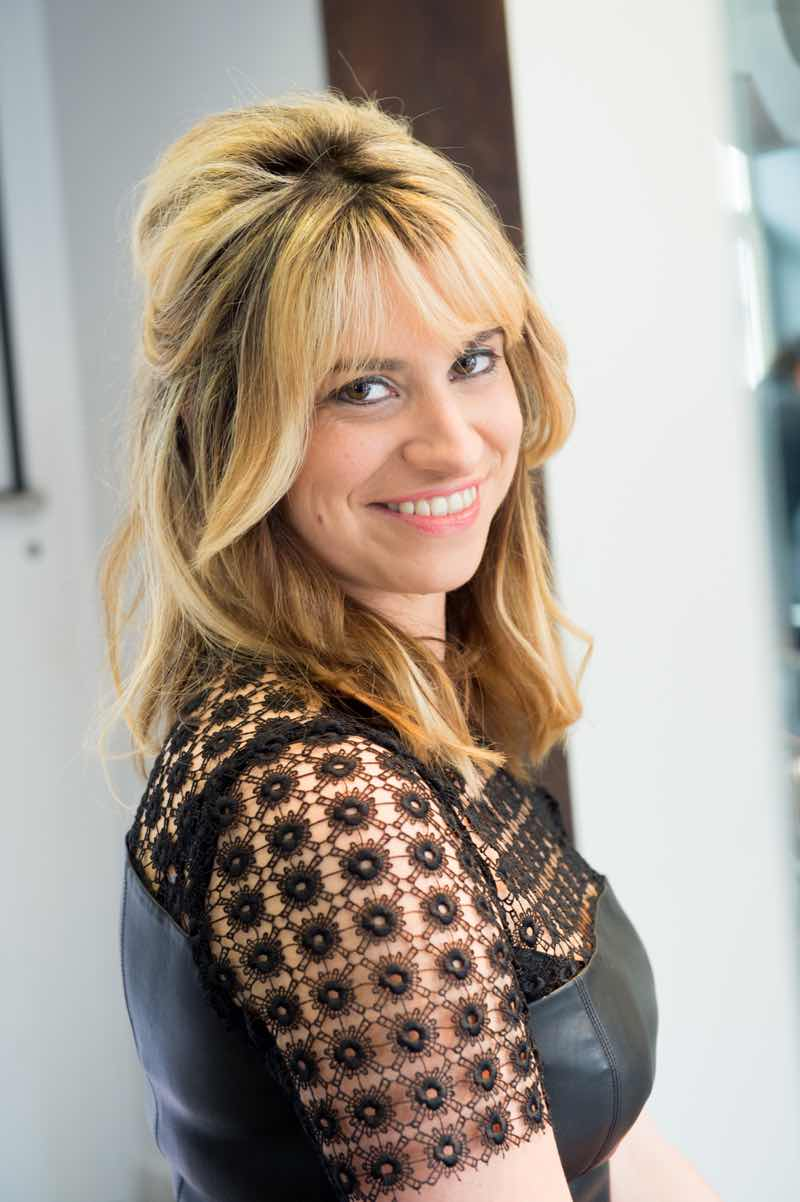 Manon coloriste styliste chez Duo Coiffure
