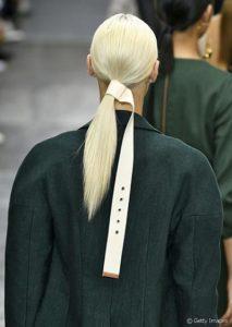 Salon de coiffure, Queue de cheval basse