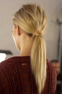 Salon de coiffure , Queue de cheval tendance