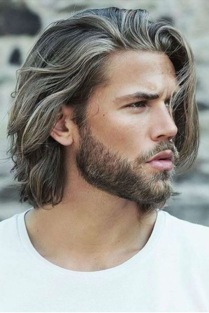 Hommes cheveux longs